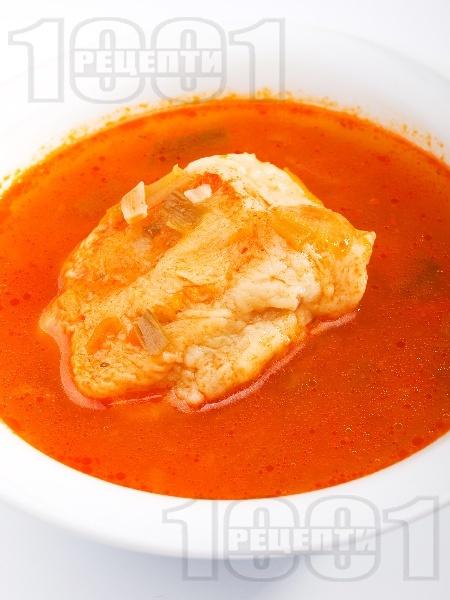 Доматена супа с галушки с телешка кайма, праз лук и коркови - снимка на рецептата